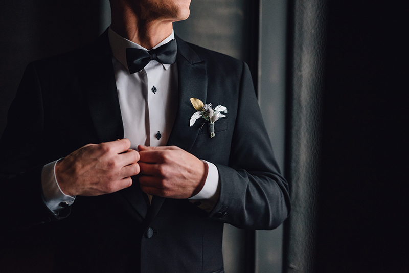 Garnitur, smoking czy frak na wesele? Co będzie lepsze dla Pana Młodego?