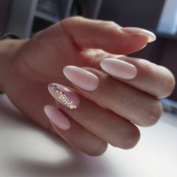 Delikatne paznokcie ślubne