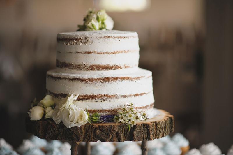 Jak pokroić tort weselny – najważniejsze zasady